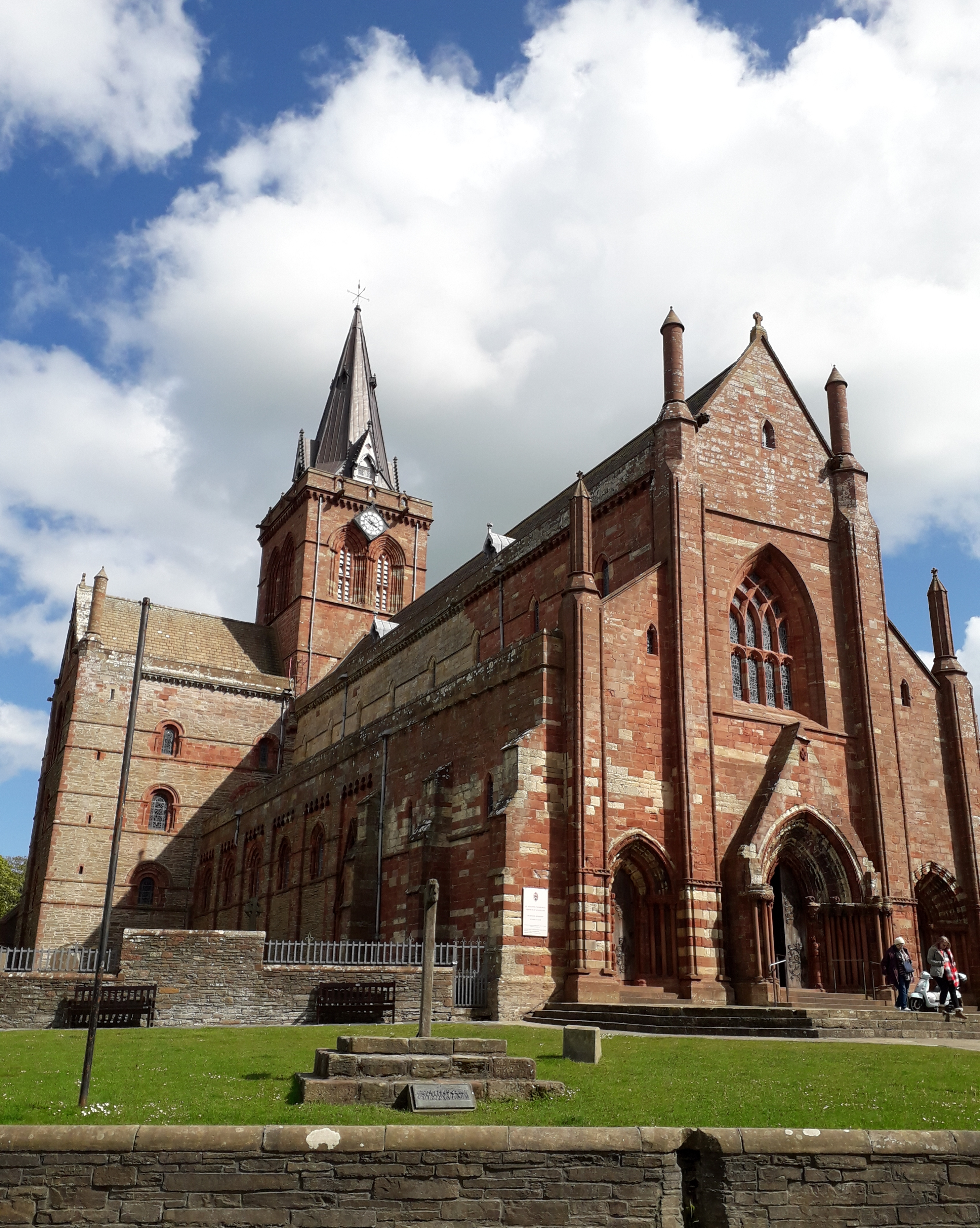 St Magnus Cathedral in Kirkwall, Orkney . Red and blonde sandstone